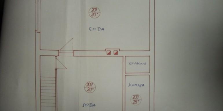 srebrnjak-kuca-220-m2-parceli-556-m2-slika-58244410 (1)