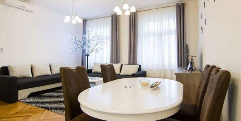 luksuzan-adaptiran-stan-centru-55-m2-slika-61665422