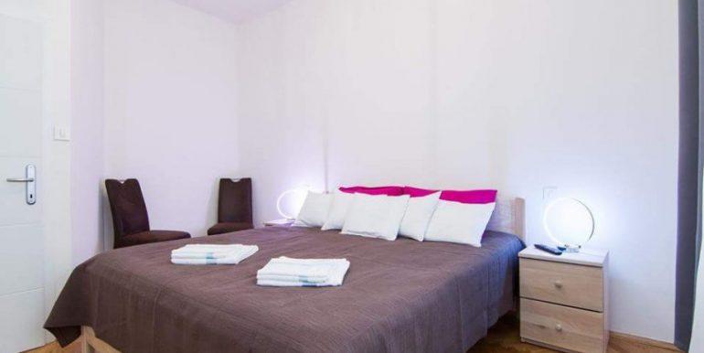 luksuzan-adaptiran-stan-centru-55-m2-slika-61665428